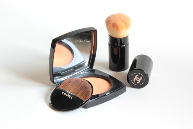 Chanel Les Beiges Healthy Glow Sheer Powder Open_s