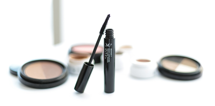 Manasi7 Review - Precision Mascara in Obsidian
